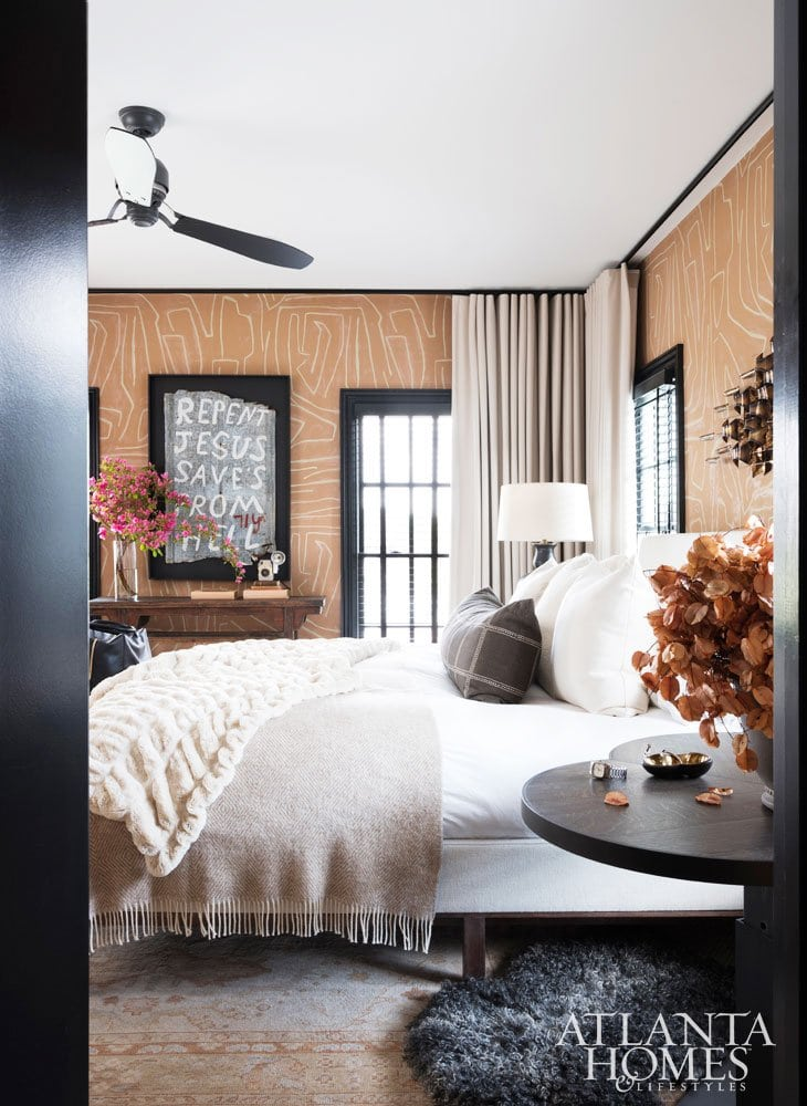 Ryan Hughes home in Midtown Atlanta, layered neutral bedroom design #bedroom #bedroomdesign #atlantahome #atlantahomes #southernstyle #southerndesign