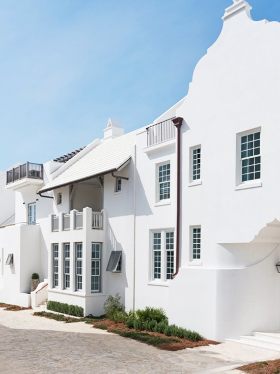 Alys Beach white stucco architecture with Dutch West Indies design on Thou Swell #alysbeach #beachtown #whitestucco #architecture #beachhouse