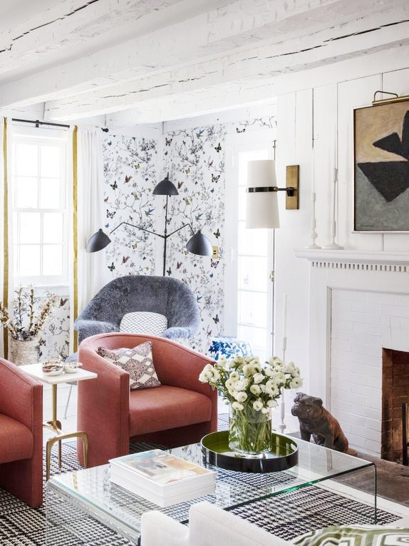 Maximalist living room in a historic Colonial house with modern decor on Thou Swell #livingroom #livingroomdesign #maximalist #modern #homedecor