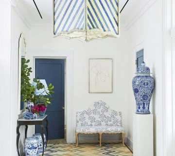 Miles Redd entryway with blue and white design in Bahamas home tour on Thou Swell #bahamas #blueandwhite #milesredd #entry #entryway #entrydesign