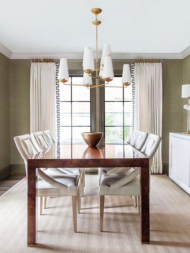 Classic Southern dining room with a fresh twist in Houston by Paloma Contreras on Thou Swell #houston #southern #southerndesign #southernstyle #southernhome #hometour #housetour #interiordesign #interior #homedesign #decoratingideas