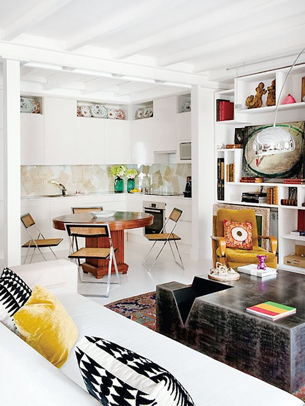 Eclectic Spanish living room with small-space kitchen and dining room in Spain on Thou Swell #hometour #spanishhome #eclecticstyle #interiordesign #spanishdesign #homedesign #housetour #spanishstyle #homedecorideas