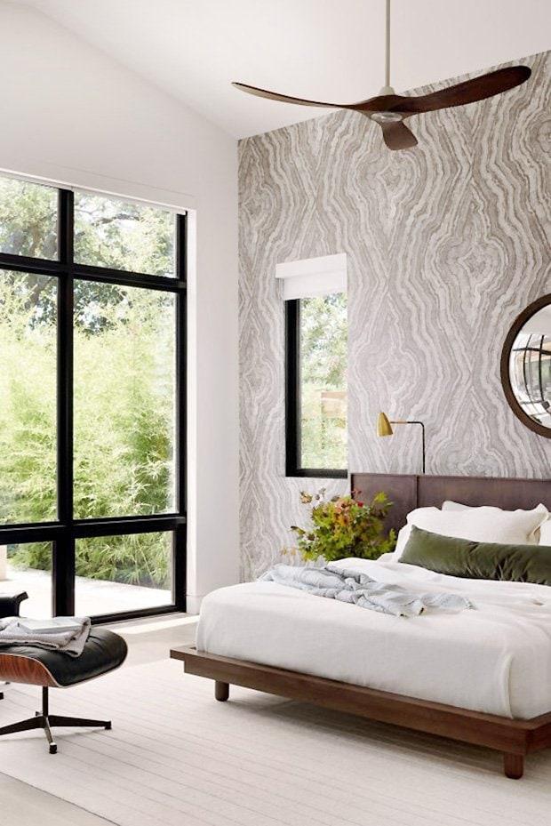 Minimalist bedroom design in modern Dallas home tour on Thou Swell #dallas #dallashome #hometour #homedesign #interiordesign #moderndesign #minimalist #minimaldesign #bedroom #bedroomdesign #masterbedroom #modernbedroom