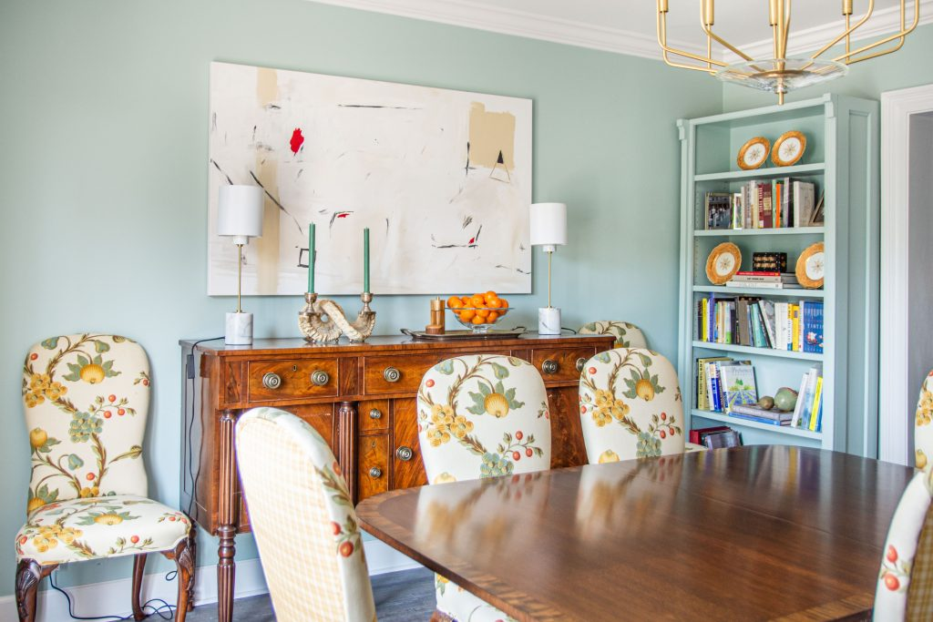 Clare Headspace blue-green paint color in traditional dining room in Atlanta by Kevin O'Gara on Thou Swell #diningroom #clareheadspace #diningroomdesign #traditionaldiningroom #traditionalroom #traditionaldesign #neotrad #neotraditional