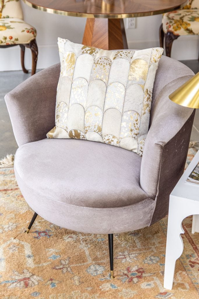 Modern living room accents from AllModern with cream velvet ottoman stools, grey velvet barrel chair, and vintage Turkish rug by Kevin O'Gara on Thou Swell #livingroom #livingroomdecor #modernaccents #allmodern #decor #homedecor #homedesign #livingroomdesign #interiordesign