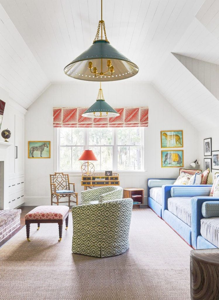 A tropical house in South Carolina full of wallpaper, Southern home tour on Thou Swell #tropicalhouse #tropicalwallpaper #wallpaper #southernhouse #homedecor #homedesign #housetour #interiordesign