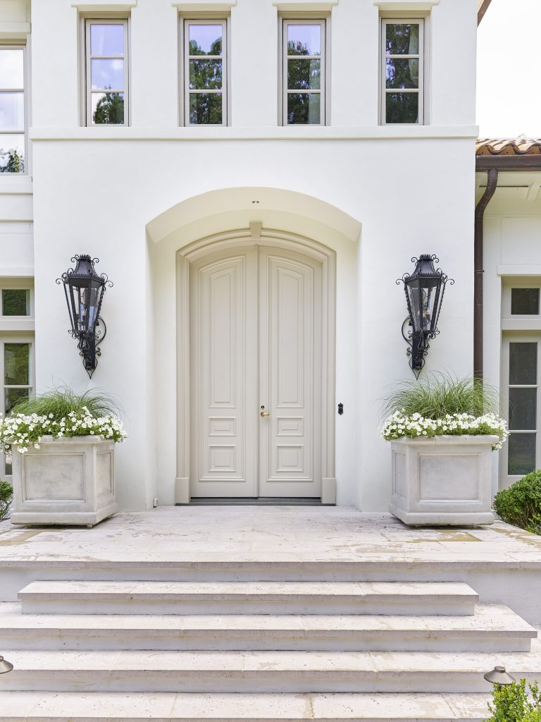 Southeastern showhouse in Atlanta, Southern California inspired house design on Thou Swell #showhouse #atlanta #atlantahomes #southernstyle #southerndesign #interiordesign #homedesign #design