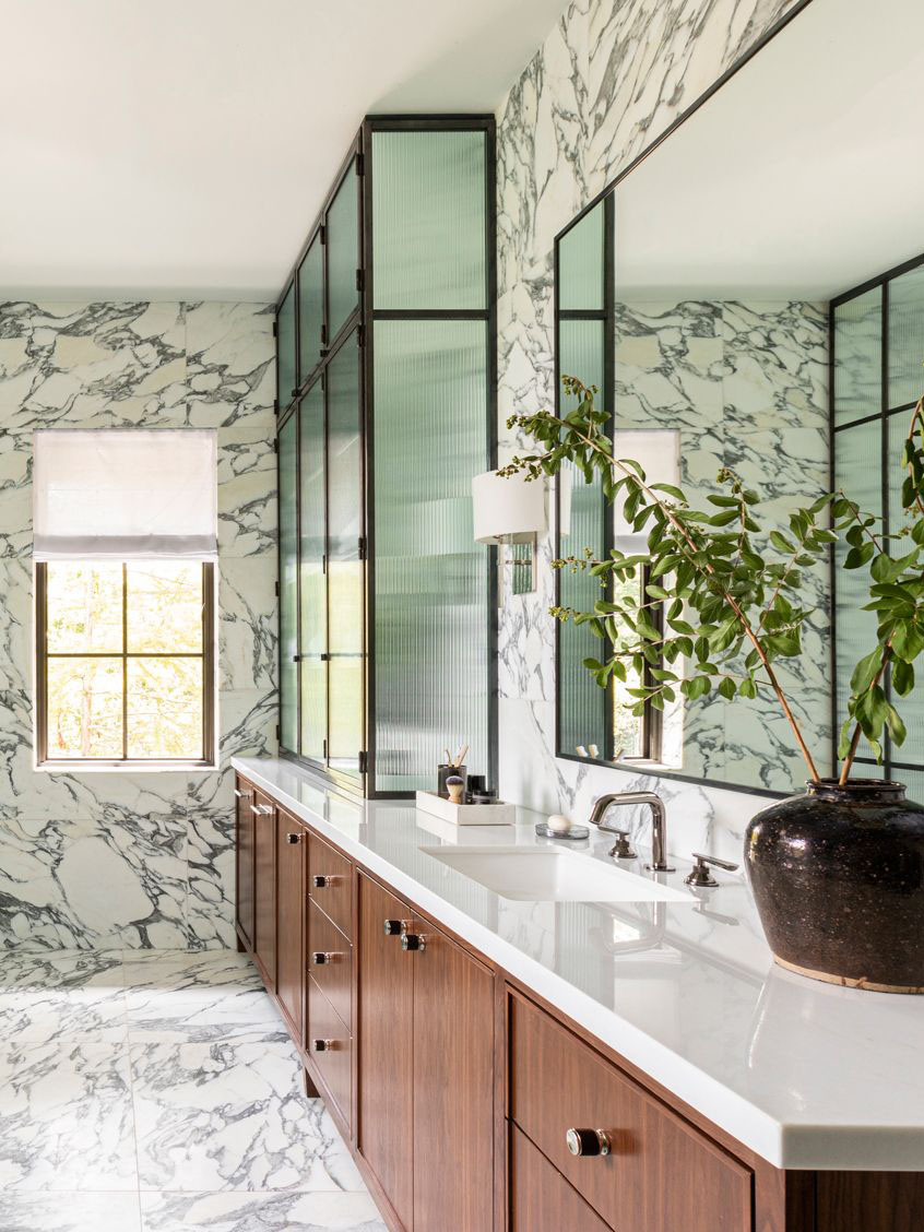 Houston home tour full of warm textures by Marie Flanigan, modern Houston house, modern bathroom design, marble bathroom on Thou Swell #marblebathroom #bathroom #bathroomdesign #bathroomideas #homedesign