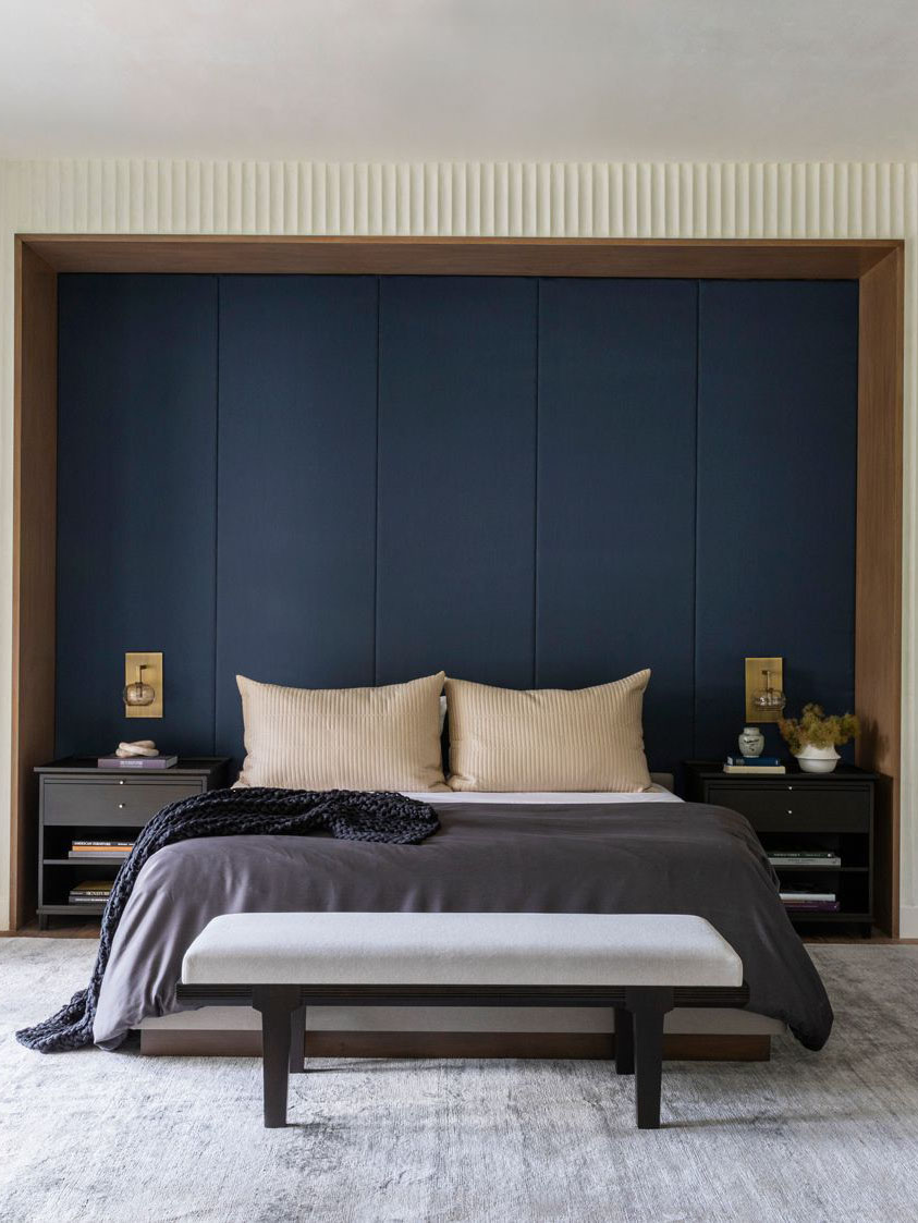 Houston home tour full of warm textures by Marie Flanigan, modern Houston house, master bedroom design with inset bed and dark blue wallpaper on Thou Swell #masterbedroom #bedroom #bedroomdesign #bedroomdecor #interiordesign #homedecor #homedesign