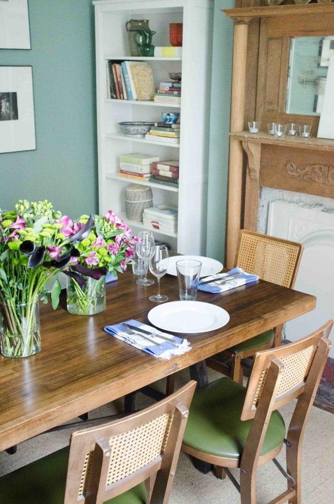 Behr Lotus Leaf light sage green paint color on dining room walls #lotusleaf #greenpaint #paintcolor #paintideas #homedecor #homedesign
