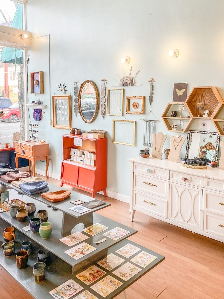 Homegrown boutique store in North Shore, Chattanooga city guide weekend tour on Thou Swell #chattanooga #chattanoogaguide #cityguide #travelguide #travel