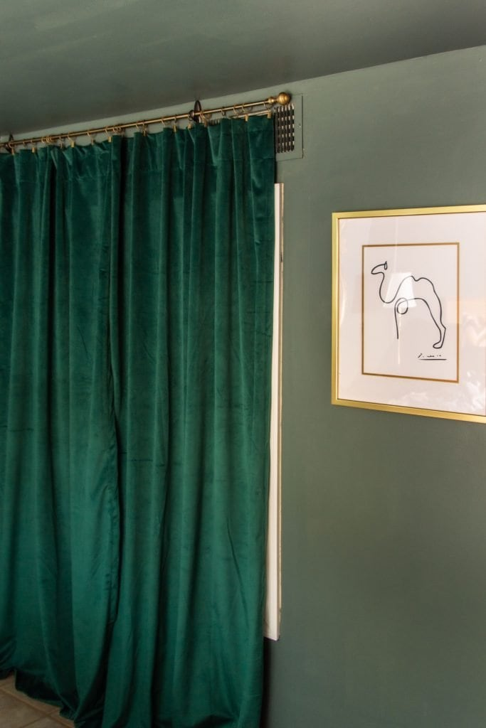 Current Mood dark green paint color by Clare on Thou Swell #greenpaint #clarepaint #paintcolor #paintingideas #painting #wallpaint #homedecor #homedecorideas