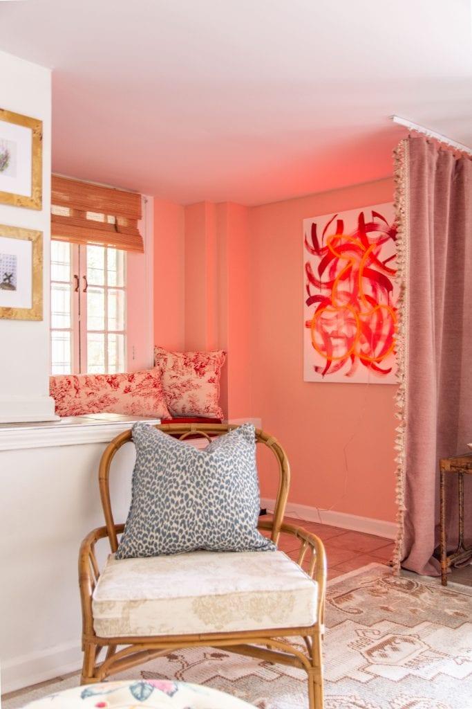 Mohawk Home vintage-inspired area rug in small-space apartment design by Kevin O'Gara in Buckhead Atlanta #vintagerug #arearug #rugdesign #mohawkhome #interiordesign #apartmentdesign #homedecorideas #homedecor
