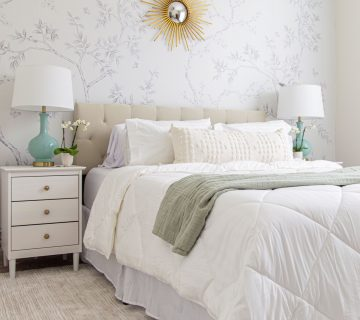 Grace's college bedroom design makeover, college decorating, temporary wallpaper, chinoiserie mural, white bedroom decor on Thou Swell #bedroom #bedroommakeover #bedroomdesign #bedroomdecor #collegebedroom #collegedecor #backtocollege