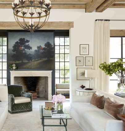 Modern farmhouse living room design in Mountain Brook, Alabama by Paul Bates and Melanie Pounds on Thou Swell #farmhouse #alabama #southernhome #hometour #homedesign #interiordesign